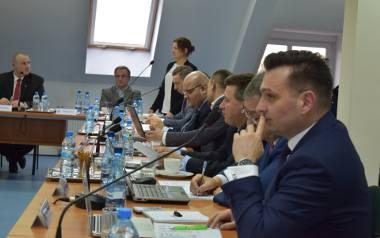 Radni powiatu krośnieńskiego długo debatowali nad zmianami, dotyczącymi budżetu starostwa na 2019 rok. Niektórzy z nich mieli wiele zastrzeżeń, związanych