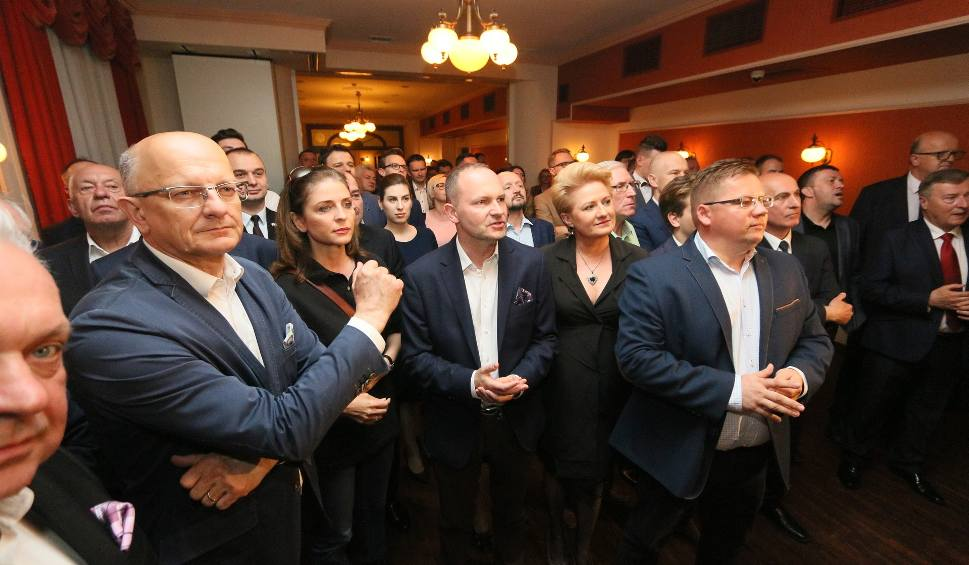 Film do artykułu: Wyniki wyborów do europarlamentu 2019. Wieczór wyborczy w lubelskim sztabie Koalicji Europejskiej. Zobacz zdjęcia