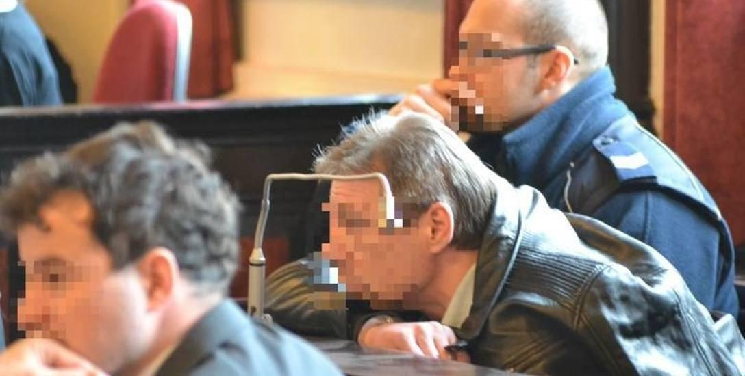 Toruński adwokat z wyrokiem więzienia! Wynosił grypsy od gangstera