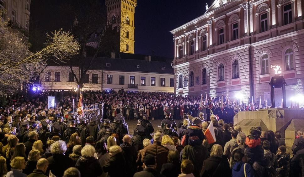 Film do artykułu: Tarnów uczcił rocznicę odzyskania niepodległości [ZDJĘCIA]