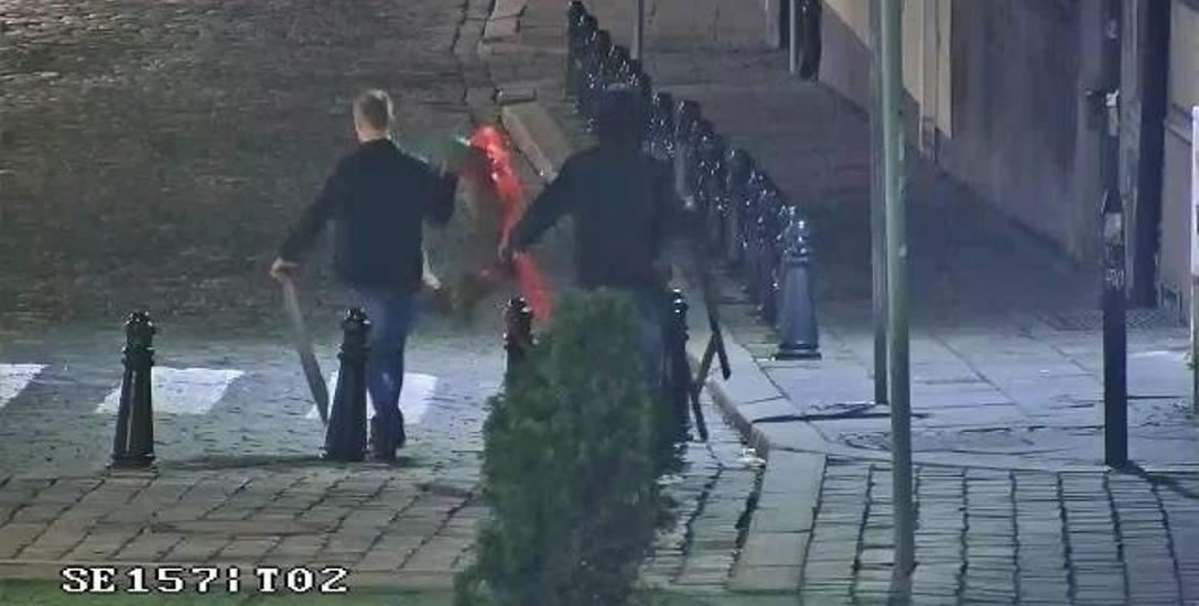 Tydzień temu trzech nietrzeźwych mężczyzn demolowało w nocy centrum Opola. Złapano ich dzięki monitoringowi, ale opolanie sygnalizują, że kamer w centrum