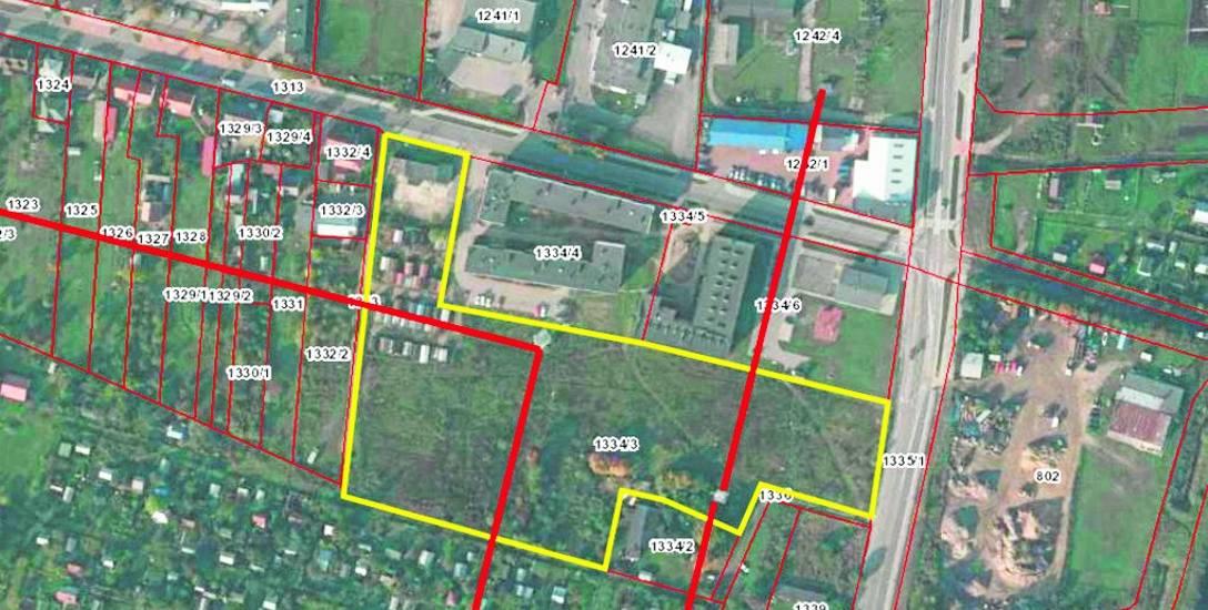 Żółtym kolorem zaznaczono działkę przy ul. Dojnowskiej, na której mogą stanąć bloki w ramach programu Mieszkanie Plus. Czerwony kolor to linie energ