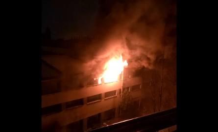 Pożar na terenie ZNTK w Poznaniu. Płonie pustostan