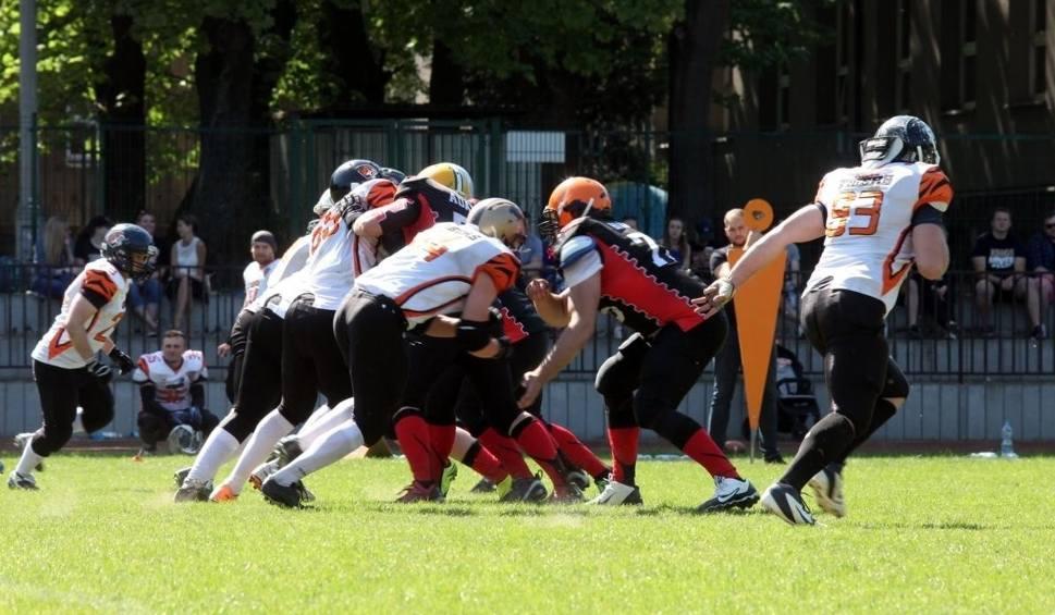Film do artykułu: Futbol amerykański. W Toplidze drużyna Kraków Tigers zagra z zagranicznymi zespołami
