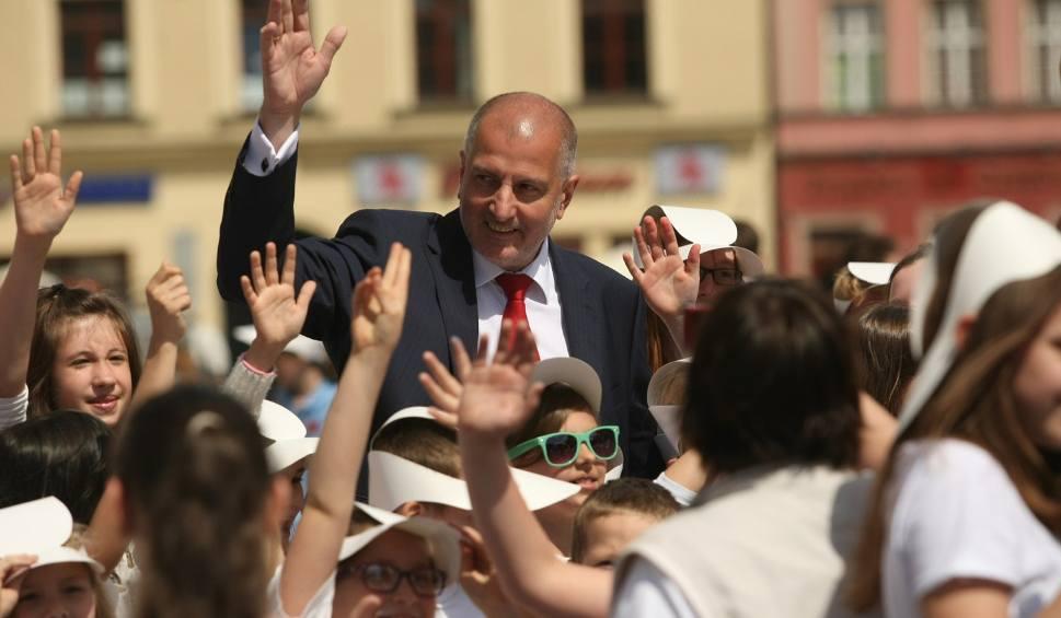 Film do artykułu: Rafał Dutkiewicz jednak wystartuje w wyborach?