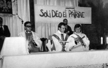 Zdjęcie z ostatniej mszy, jaką ksiądz Jerzy Popiełuszko odprawił 19 października 1984 roku w kościele Braci Polskich Męczenników w Bydgoszczy