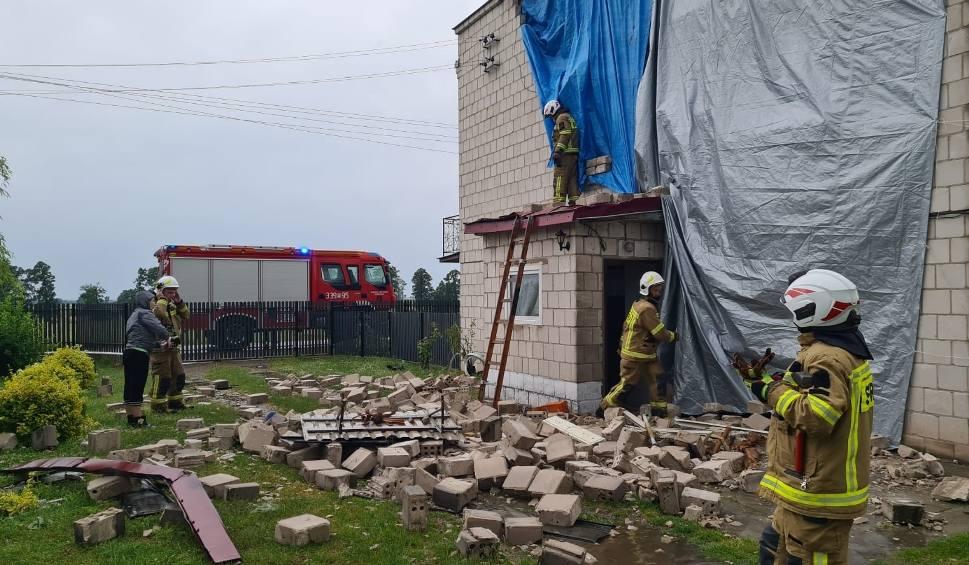 Film do artykułu: Olbrzymie straty w Radomiu i w regionie po nawałnicy i całonocnej burzy: zalane piwnice, powalone drzewa, uszkodzone domy [RAPORT, ZDJĘCIA]