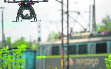 Do walki z nieuczciwymi osobami, pozbywającymi się śmieci byle gdzie, Dąbrowa Górnicza chce użyć drona.
