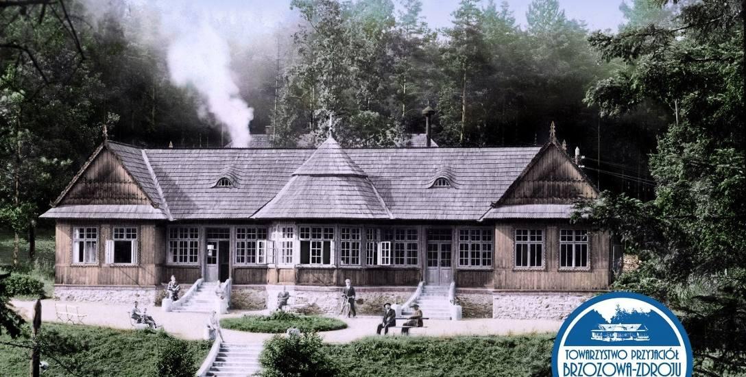 Łazienki - parterowy budynek z poddaszem (zdjęcie pokolorowane przez członka TPB-Z Damiana Wojtowicza)