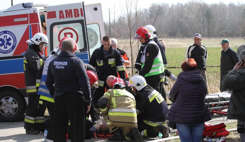 Film do artykułu: Chmielów. Wybuch butli z gazem i pożar domu. 80-letni mężczyzna zmarł w szpitalu [ZDJĘCIA]