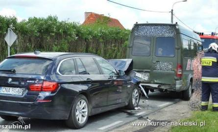 Adrian Zieliński zderzył się z busem w miejscowości Krukówko koło Mroczy. Ranne są dwie osoby z busa, w który uderzył samochód zawodnika. Policja potwierdziła,