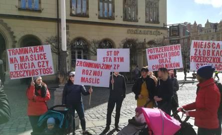 Mieszkańcy Maślic mają dość. Złożyli niemal 900 wniosków do prezydenta