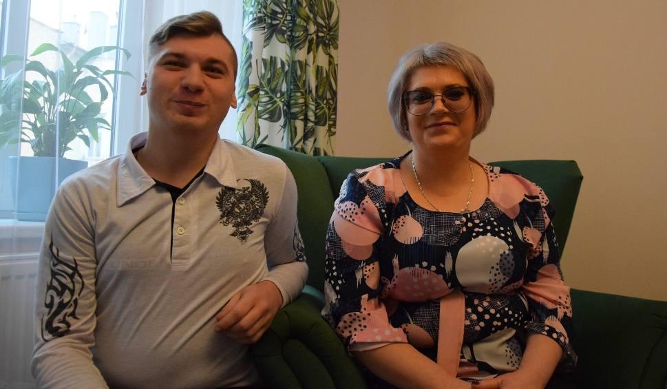 Film do artykułu: Nasi rodacy, repatrianci z Kazachstanu, zamieszkali w Przemyślu. Zostali powitani chlebem i miodem [ZDJĘCIA]