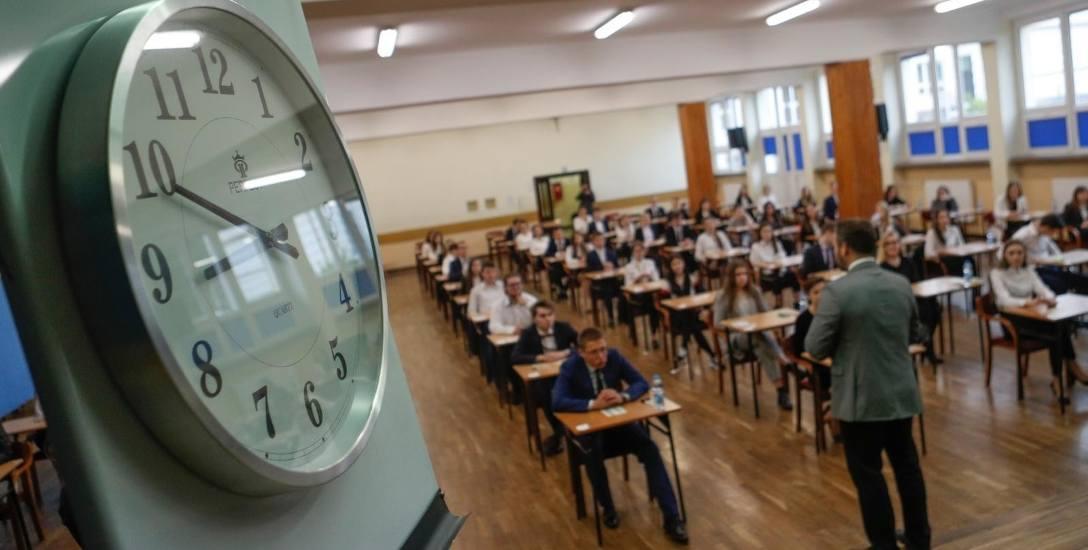 Centralna Komisja Egzaminacyjna zapowiada zmiany w maturze. Będzie trudniejsza?