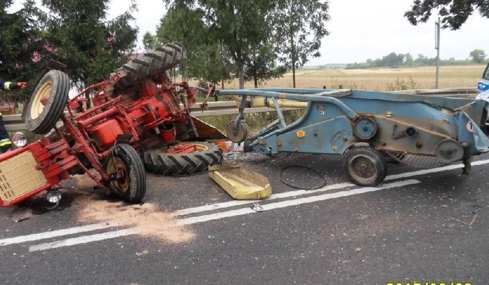 """Film do artykułu: Powiat buski. Zderzyły się ciężarówka i traktor na krajowej """"79"""""""