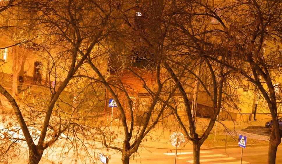 Film do artykułu: Dokuczliwe braki oświetlenia na skutek awarii i wyłączeń w Stalowej Woli