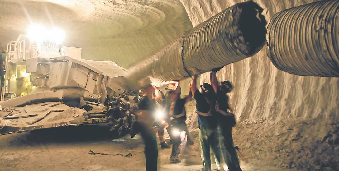 Większość związków zawodowych zakończyła negocjacje płacowe z zarządem KGHM. Górnicy mogą liczyć nawet na 500 złotych brutto podwyżki. Obowiązywać będzie