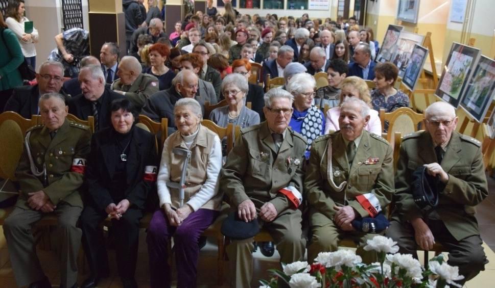 Film do artykułu: Uroczystości ku czci Żołnierzy Wyklętych w Końskich (WIDEO, zdjęcia)