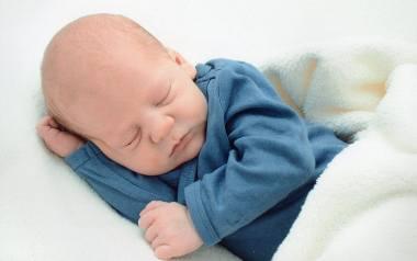 Nie macie pomysłu na imię dla dziecka, a czasu zostało coraz mniej? Zobaczcie, jakie imiona były najpopularniejsze w roku Waszego urodzenia - może to