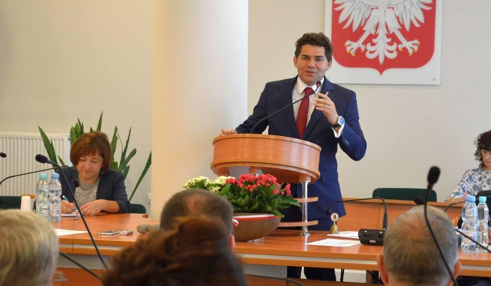 Film do artykułu: Radni uchwalili budżet - prezydent bronił budżetu, opozycja przeciw zadłużaniu