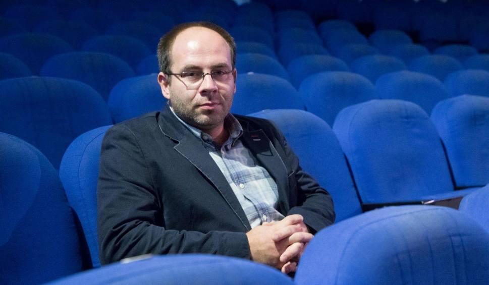 Film do artykułu: Piotr Półtorak: Ludzie chcą się w teatrze śmiać. I zapomnieć o znoju życia