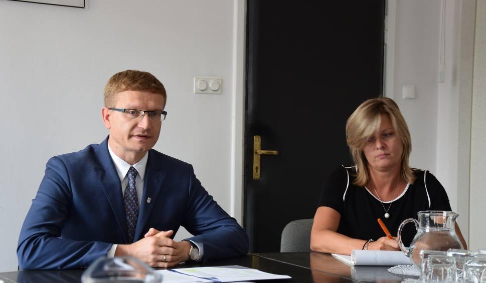 Film do artykułu: Prezydent Matyjaszczyk pyta prezesa Kaczyńskiego: Czy częstochowianie mogą liczyć na dobrą zmianę?