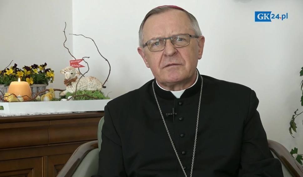 Film do artykułu: Biskup Edward Dajczak składa życzenia wielkanocne [WIDEO]