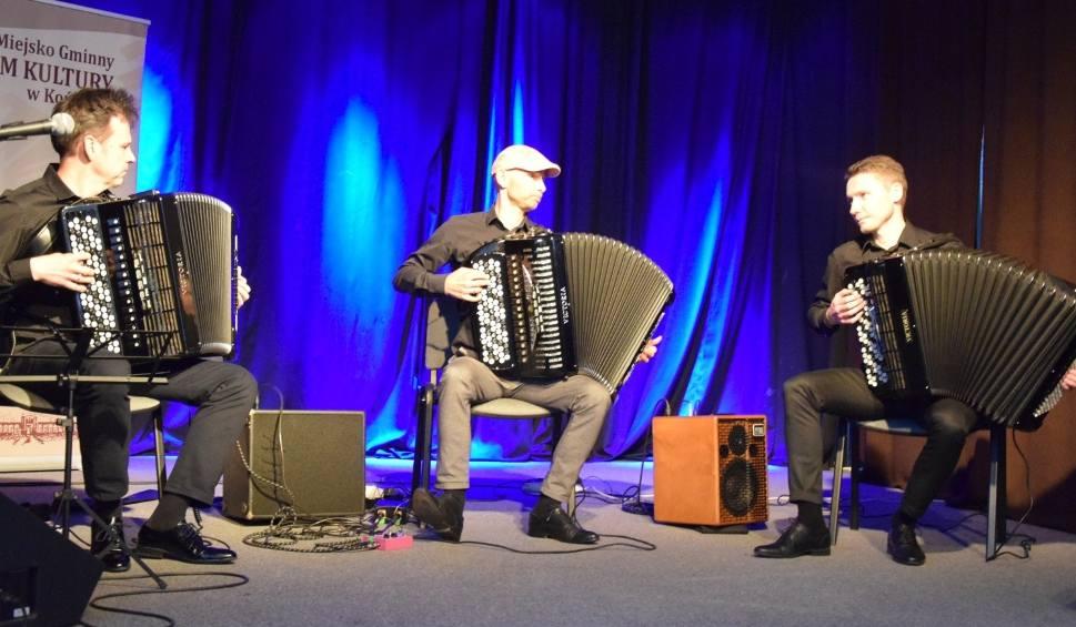 """Film do artykułu: Akordeonowe trio """"Ars Harmonica"""" zachwyciło konecką publiczność w Końskich. Oklaskom nie było końca [WIDEO, zdjęcia]"""
