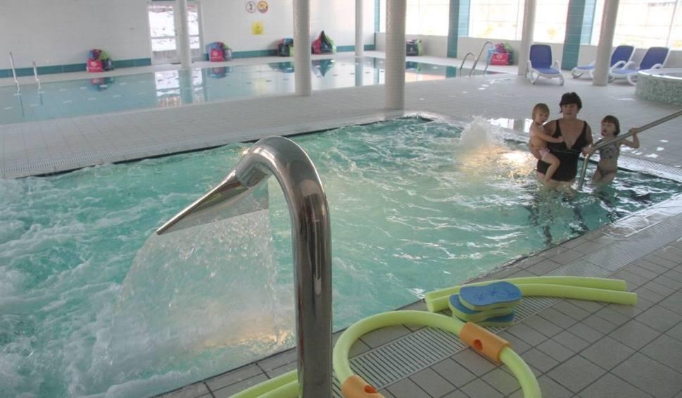Film do artykułu: Nowy basen z jaccuzzi i sauną otwarty koło Kielc (WIDEO, ZDJĘCIA)