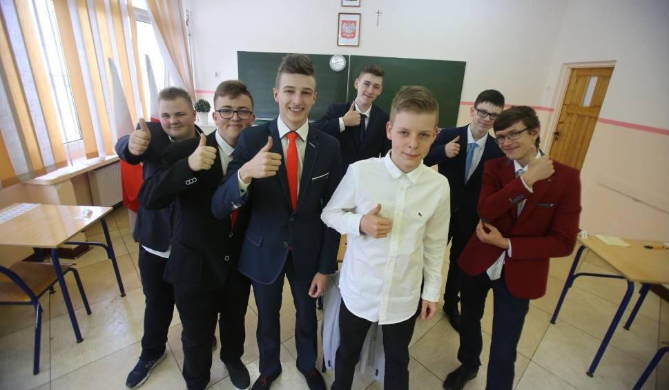 Film do artykułu: EGZAMIN GIMNAZJALNY 2018: jak spisali się gimnazjaliści z województwa śląskiego? WYNIKI