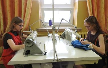 Od lewej: Weronika Citko i Natalia Martyniuk pasjonują się modą. To właśnie z nią wiążą swoją przyszłość.