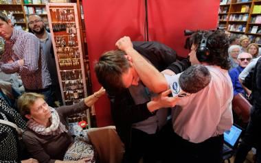 Stanisław Michalkiewicz w księgarni Sursum Corda w Poznaniu: Dziennikarz TVN złożył skargę na kamerzystę
