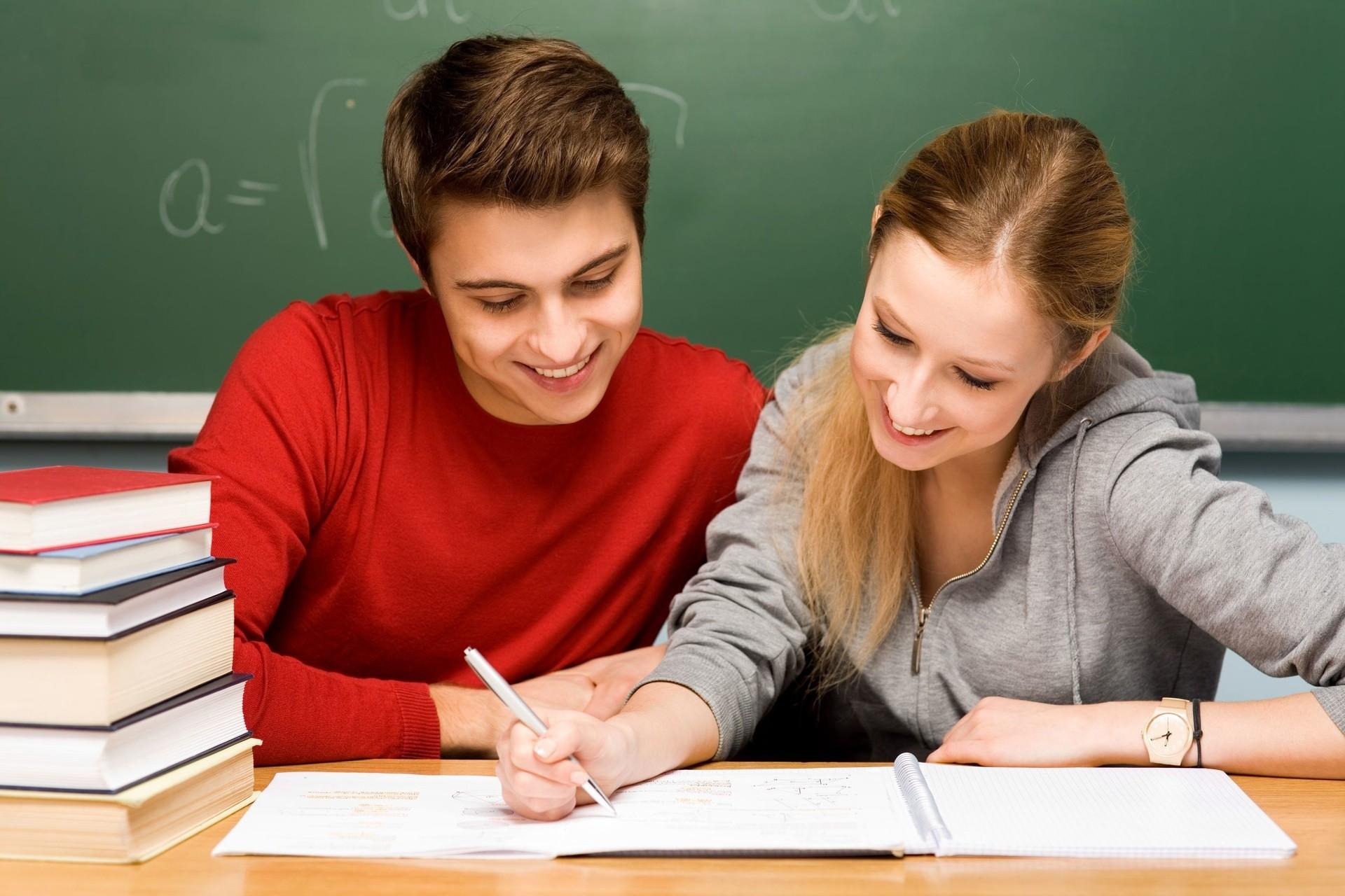 Студентка дала учителю, Студентка дала бывшему учителю смотреть порно 14 фотография