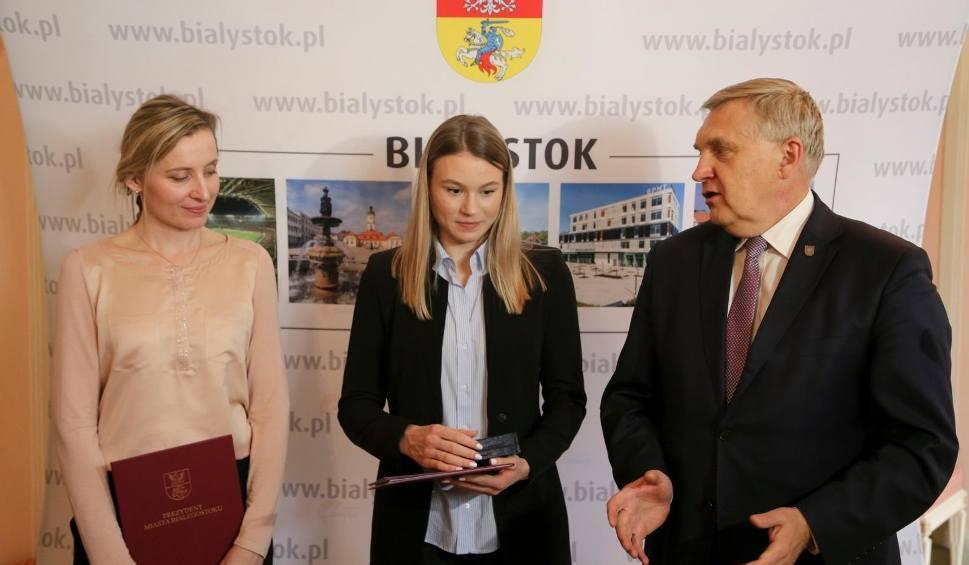 Film do artykułu: Natalia Maliszewska pisze historię polskiego short tracku. Prezydent Truskolaski wystąpi z wnioskiem o nagrodę pieniężną (zdjęcia, wideo)