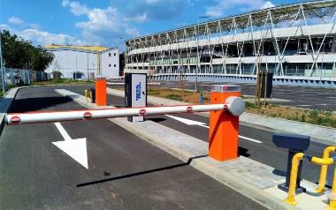 Parking przy ul. Rychlińskiego, obok Stadionu Miejskiego. Pierwsze 3 godziny postoju od 21 października będą darmowe