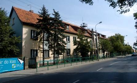 Poznańscy radni zdecydowali o sprzedaży działki Fundacji Familijny Poznań, na której znajduje się Szkoła Podstawowa nr 52 za jeden procent wartości.