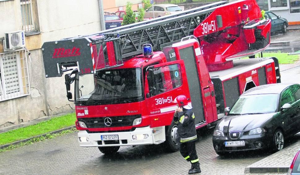 Film do artykułu: Pożary w Tarnobrzegu. Zapomniał, że podgrzewał na kuchence jedzenie...