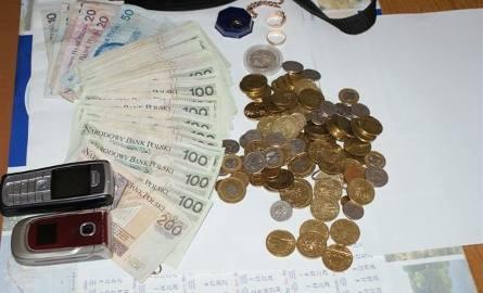 Rodzina bawiła się na weselu, a w domu grasował złodziej. Ukradł pieniądze i biżuterię warte 13 tys. zł. Obejrzyj zdjęcia
