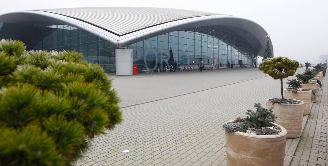 02.12.2017 jasionka lotnisko rzeszow jasionka terminal przyloty odloty fot krzysztof kapica