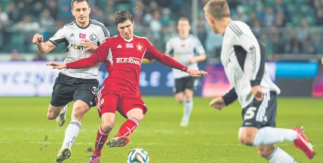 Semir Stilić ma 29 lat. W Wiśle Kraków do tej pory rozegrał 52 mecze, w których strzelił 16 bramek