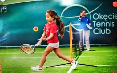 Kamila gra w tenisa od piątego roku życia. Zaczynała od jednego treningu w tygodniu, a teraz  tylko jeden dzień w tygodniu ma wolny