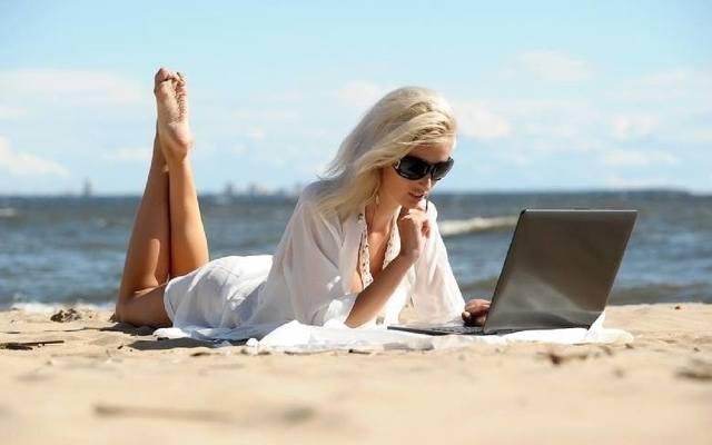 Rewolucja w urlopach i prawie pracy. Nie 26 ale aż 35 dni urlopu dla każdego pracownika? Propozycje związków oburzają pracodawców