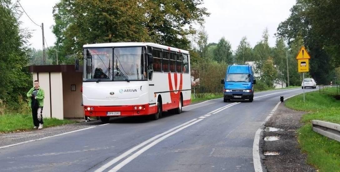 Komunikacja autobusowa w powiecie kędzierzyńsko-kozielskim zorganizowana na nowo. Koszty idą w miliony