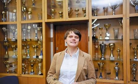 Urszula Szutkiewicz, wychowawczyni Zbigniewa Bródki pamięta, że był skromny, zdyscyplinowany i doskonale godził naukę z treningami