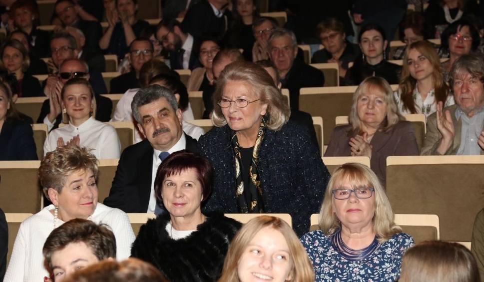 Film do artykułu: Brawa i bukiety tulipanów dla Krzysztofa Pendereckiego w Kielcach