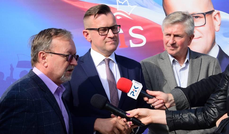 """Film do artykułu: Marcin Wroński z PiS wyzywa Magdalenę Łośko z KO na """"pojedynek"""" [wideo]"""