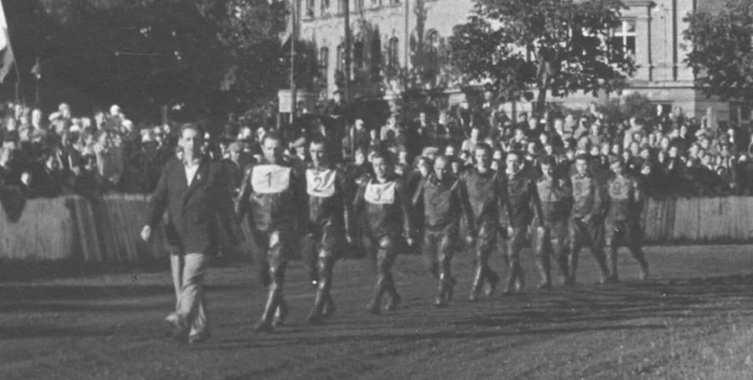 To zdjęcie pochodzi z 1951 r. Wtedy na torze żużlowym przy ul. Śląskiej w Gorzowie rozgrywane były trójmecze żużlowe