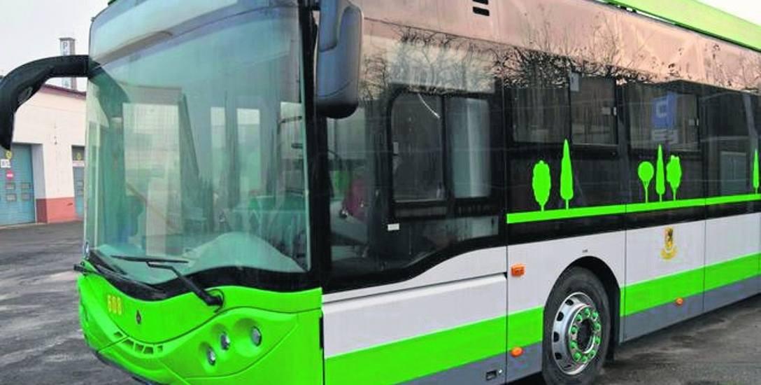 Prąd do zasilania ładowarek baterii autobusów elektrycznych KM Szczecinek zdrożał od stycznia o blisko połowę.