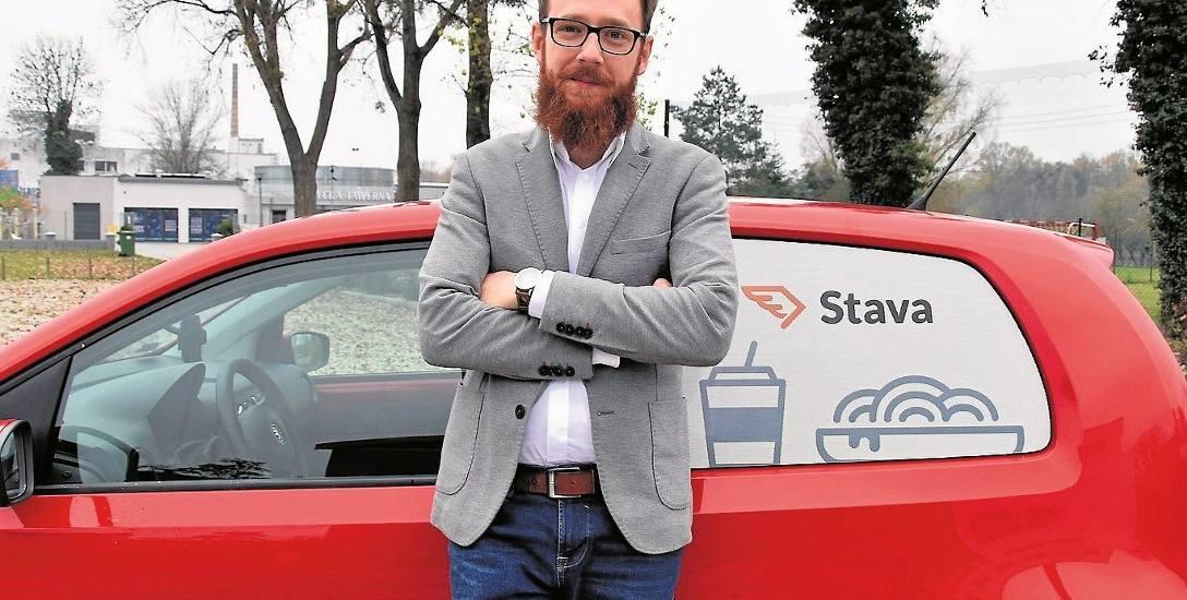 Grzegorz Aksamit, wiceprezes Stavy, przyznaje, że rowery się nie sprawdziły. Firma postawiła na skutery i małe auta.