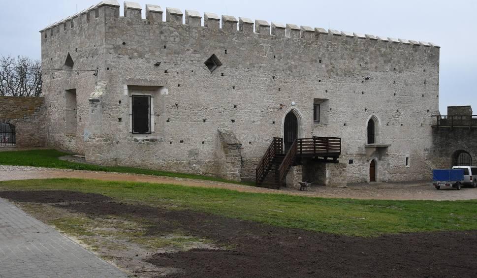 Film do artykułu: Rewitalizacja szydłowskich zabytków dobiegła końca. Zobaczcie Zamek oraz Muzeum Zamków Królewskich w Skarbczyku (ZDJĘCIA)